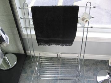 accessoires de salle de bain centre d. Black Bedroom Furniture Sets. Home Design Ideas