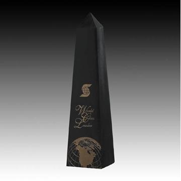 Trophée - Granite - Marble Obelisk