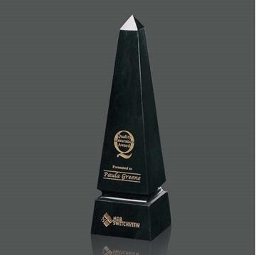 Trophée - Granite - Grooved Obelisk