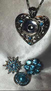 Cœur Argent Antique Avec Strass Bleu 5mm