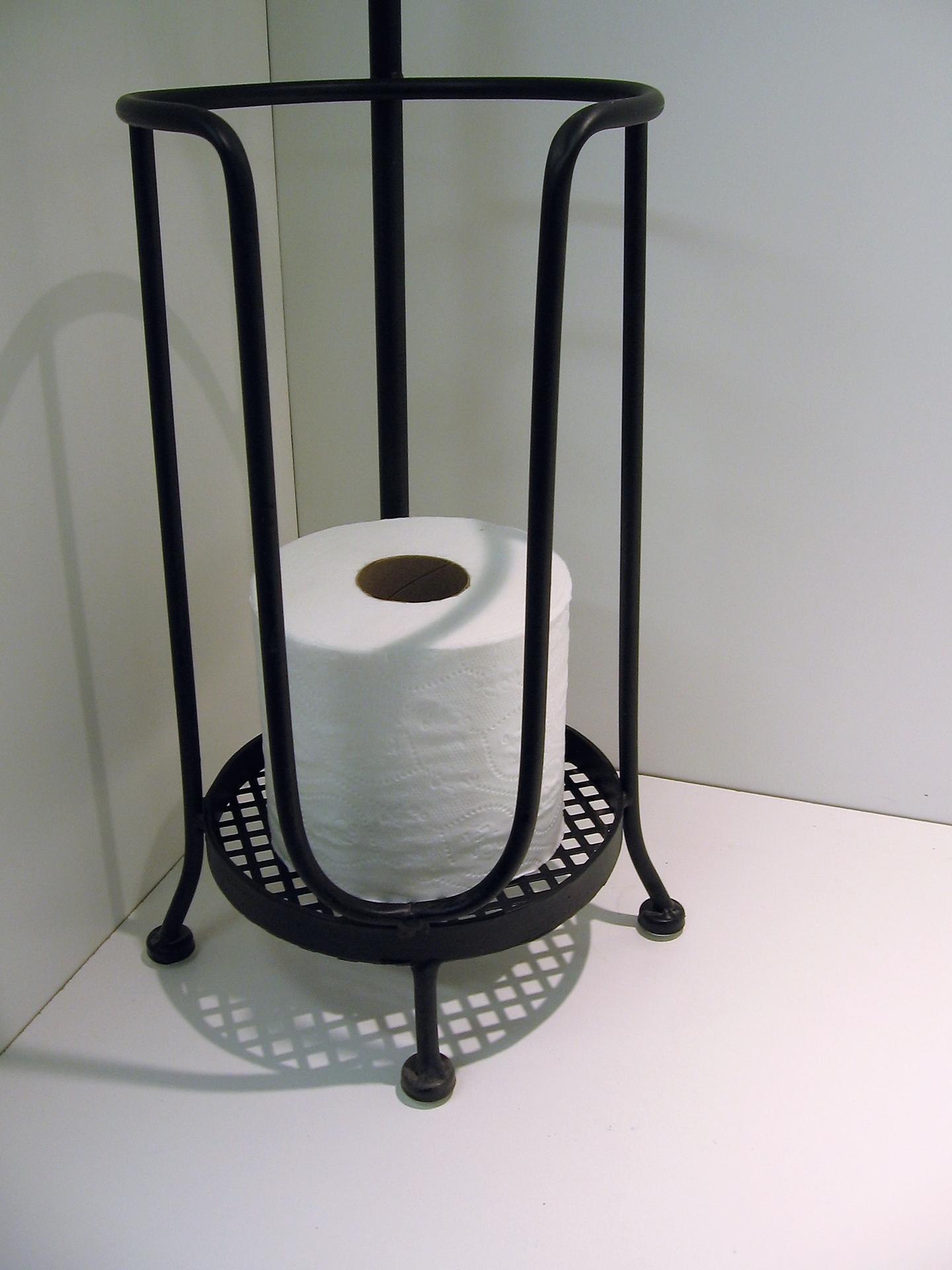 porte papier de toilette noir sur pied avec r serve centre d 39 achats en ligne ouvrez votre. Black Bedroom Furniture Sets. Home Design Ideas
