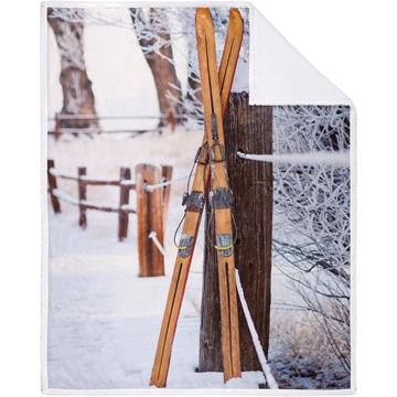 Image de Jeté à imprimé avec skis alpins endos en sherpa
